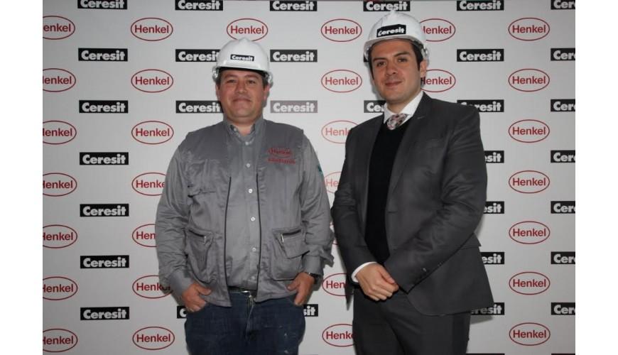 Felipe Valderrama gerente técnico (izqu.) y Frank Toro, gerente de marketing de Adhesivos de Construcción de Henkel (derecha).
